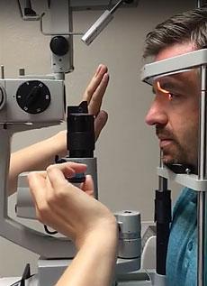 Spiegellen Bad zoom in on gonioscopy